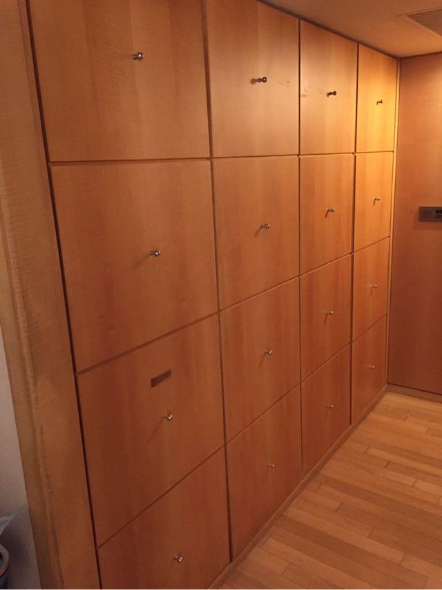 ドアのすぐ右側のクローゼット。どうなってるの⁈